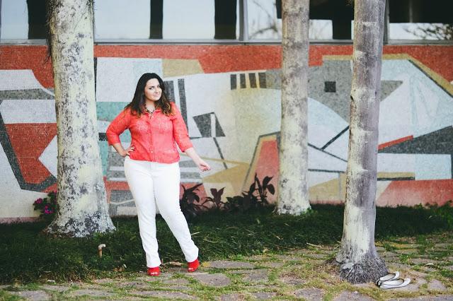 Look Bellas Curvas – Coral + Branco