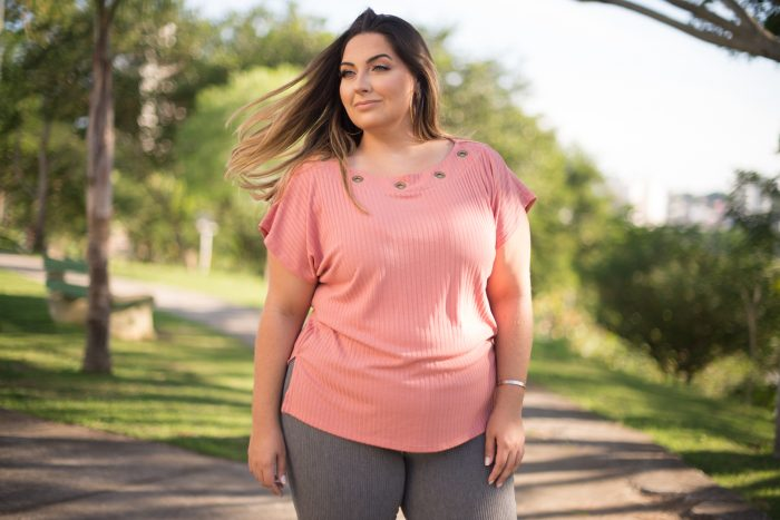 Look Plus – Rosa Blush + Calça Flare